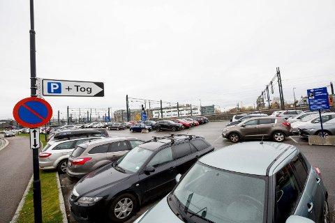 Det blir ikke flere parkeringsplasseri sentrum, til tross for hvor fulle de eksisterende allerede er.
