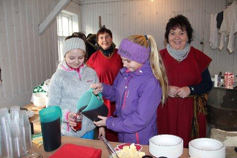 Julegrøt og rød saft servert i Bryggerhuset