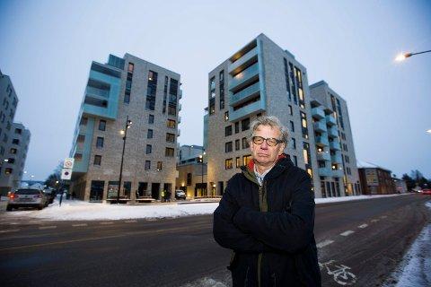 DRAR I BREMSENE: Tore Berg i Folkets Røst vil sette på bremsene for den videre boligutbyggingen i Skedsmo. Han mener kommunen ikke er skodd for å håndtere befolkningsveksten.