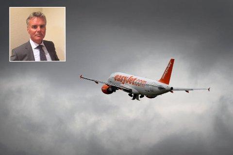 OVERTAR FLY: Easyjet er blant selskapene som får en rekke nye fly neste år. Selskaper flyr imidlertid ikke til Norge og Hans Jørgen Elnæs i WinAir (innfelt) venter ikke at de vil gjøre det med det første heller. Foto: AFP PHOTO / FABRICE COFFRINI/privat