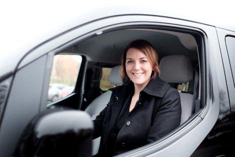 Christina Bu i Norsk elbilforening påpeker at det er store forskjeller mellom hybridbilene.