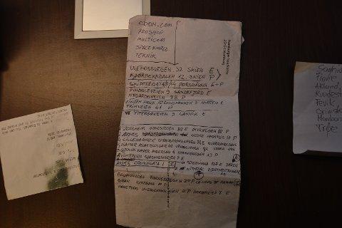 ADRESSELISTER: Det er tatt beslag i flere adresselister hvor politiet ov vektere mistenker at tyvene enten har slått til, eller planlagt å stjele fra.