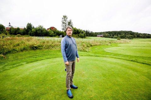 FÅR MEST: Losby golfklubb, her representert ved daglig leder Per Kristoffersen, får en snau million kroner i momskompensasjon. FOTO: TOM GUSTAVSEN