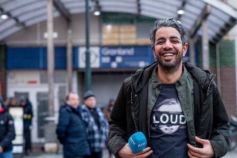 Yousef Hadaoui, programleder for Svart humor på NRK, er en av paneldeltakerne