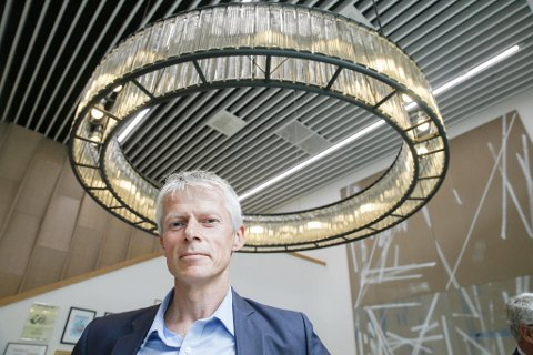 LURER UNNA: Skattedirektør Hans Christian Holte sier at så mye som 40 milliarder kroner kan være lurt unna de siste årene. Foto: Terje Pedersen (NTB scanpix)