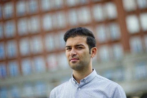 OPPGULP: AUF-leder Mani Hussaini mener ungdomspartiene som ønsker et kutt i sykelønna, bommer. - Det er feil medisin, sier Hussaini. Foto: Jon Olav Nesvold (NTB scanpix)