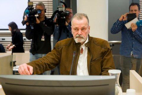 TIL BOKBAD: Eirik Jensen skal snakke om bøkene sine på Årnes.