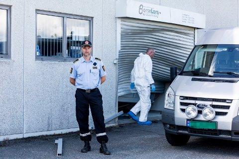 Innbruddstyver stjeler våpen fra Børselars på Dal.