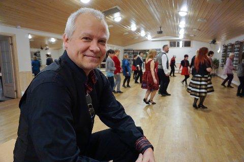 Cato Larsen starter nye linedance-kurs på Gystad vel, Jessheim, tirsdag 22. august.