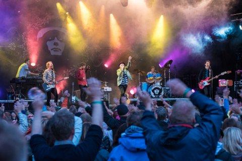 Først gikk selskapet som arrangerte årets Nebbenfestival konkurs; nå er også forgjengeren, Nebben Sommerfestial AS, konkurs. Bildet er fra 2018-festivalen da Morten Abel var en av hovedartistene. (Foto: Vidar Sandnes)