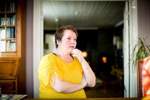 EKKELT: Siri Mølmen Sellevik forteller at hun opplevde dramatikken mandag kveld som skikkelig ekkel. Hun er bare glad ektemannen ikke er alvorlig skadet.