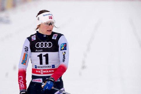HELOMVENDING: Maiken Caspersen Falla ville reise hjem fra Tour de Ski, men så hørte hun at FIS hadde endret løype. Foto: Terje Pedersen (NTB scanpix)