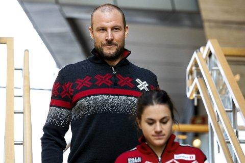 I samme situasjon: Aksel Lund Svindal og Heidi Weng har begge utfordringer med helsen før sesongstarten. Mens Lund Svindal har vondt i kneet varierer form til Weng voldsomt fra dag til dag. Foto: NTB scanpix