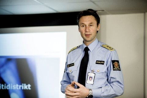 UFORMELL MAKT: – Det er både formelle og uformelle maktstrukturer i Politiet. Politimester Steven Hasseldal (bildet) må spille på lag i trepartssamarbeidet. Reformen er ikke i mål før i 2020, sier stortingsrepresentant Guro Angell Gimse (H) (innfelt).
