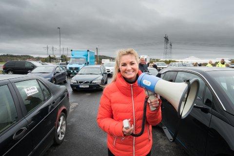 INITIATIVTAKER: Cecilie Lyngby har hatt en tung uke etter at hun ble fratatt førerkortet under kjør sakte-aksjonen på E6 torsdag i forrige uke. Nå kan hun smile igjen.