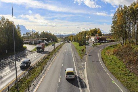 BEDRE FOR BUSS: Det skal nå anlegges kollektivfelter fra Skedsmovollen til Hvam. Foto: Rune Fjellvang