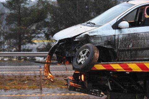 KJØRTE I AUTOVERNET: Bilføreren i 20-åra er mistenkt for ruspåvirket kjøring etter denne utforkjøringen søndag morgen.