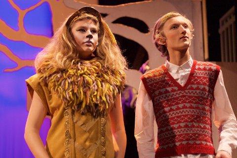 Løven og Peter: Peter og de andre Prevensie-barna treffer i stykket mange magiske figurer, blant annet løven Aslan.