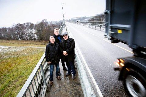 John Harry Skoglund, Sigmund og Sverre Myrli liker ikke de dårlige signalene fra departementet når det gjelder glommakryssing.