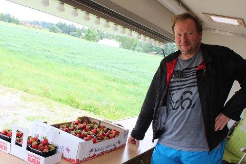 GOD BUTIKK: Storproduksjon av jordbær, samt gunstige aksjeinvesteringer ga Per Isingrud en inntekt på over 23,5 millioner i 2017.