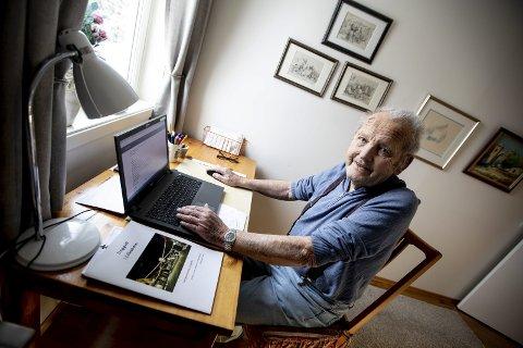Nils Fagerjord kjenner Lillestrøms historie like godt som sin egen bukselomme og har nå laget et nytt hefte om ungdomsårene han tilbrakte i byen. FOTO: LISBETH LUND ANDRESEN