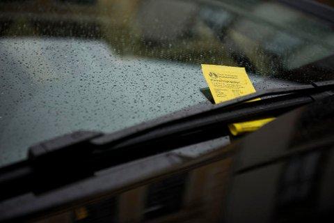 Under et år etter nye parkeringsregler ble innført, forsøker nå regjeringen å gjøre endringer. Det er ikke populært. Foto: Fredrik Varfjell (NTB scanpix)