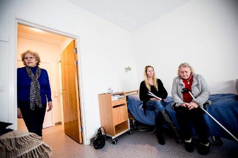 Margrethe Jahr (85) sliter med å huske, har kronisk nyresvikt, hjertesvikt, er blind på det ene øyet og har en dårlig ankel. Likevel ville kommunen sende henne hjem til et gammelt hus med bratte trapper.