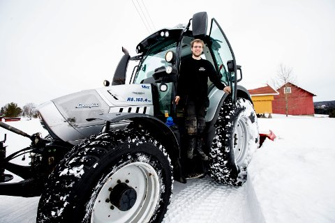 SNØRIK: Simen Berge fra Fet satt igjen med et overskudd på en million kroner i fjor etter satsing på eget entrepenørselskap. FOTO: TOM GUSTAVSEN