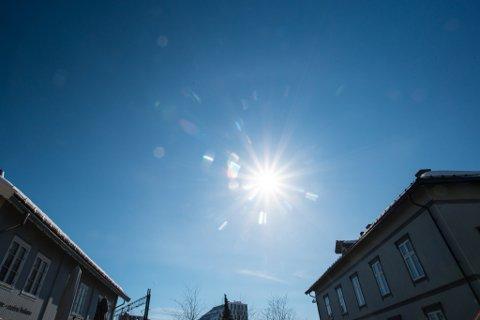 SOLA FORSVINNER IKKE: Det var ingenting å si på været denne påsken. Nå ser det ut til at varmen fortsetter.