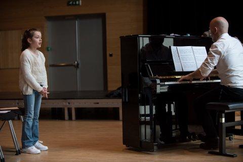 """Vilma Johansen Helgheim (8) var en av 180 jenter som møtte opp til audition på """"Annie""""."""