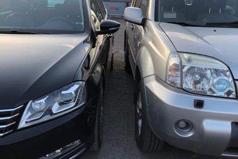 TETT PÅ: Ifølge bildet Arild Lind selv har tatt, er det liten tvil om at mange av oss hadde hatt problemer med å komme oss inn i førersetet i den svarte bilen.