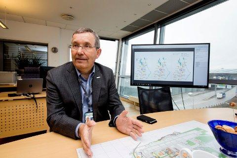 STØY: Flyplassdirektør Øyvind Hasaas mener man har funnet en løsning som minimerer støybelastninen ved en tredje rullebane.