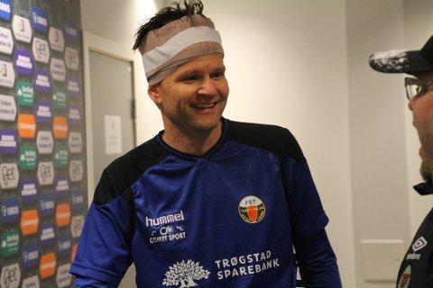 RETT UT: Kjetil Moren Bråthen ble sendt direkte i dusjen etter en tøff takling i kampen mot Eidsvold IF. Fet innledet sesongen med en sterk hjemmeseier mot Fu/Vo, men har nå kun Rælingen bak seg på tabellen.