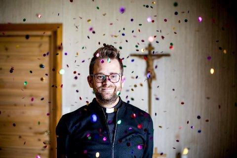 Petter Dille er prest i Skårer kirke i Lørenskog
