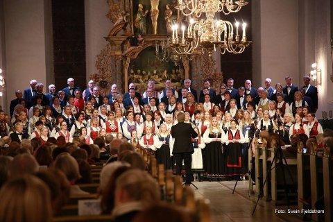 St. Laurentiuskoret inviterer til sommerkonsert i Oslo domkirke 7. juni.