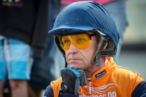 FORTVILER: Travtrener Olav Mikkelborg fortviler etter at stallen hans ble stengt som følge av salmonellasmitte.
