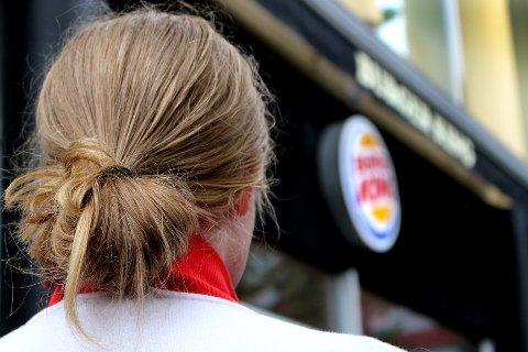 ADVARER ANDRE: Etter to måneder sluttet den 17 år gamle jenta fra Skedsmo ved den nye Burger King-restauranten på Skedsmo Senter. Dette bildet er tatt ved en annen av hamburgerkjedens restauranter.