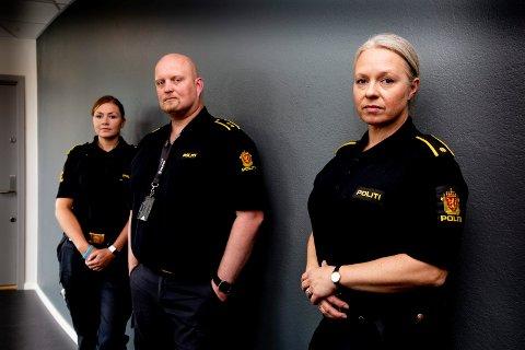 NYE NARKOTIKAUTFORDRINGER: Kathrine Hofseth Gundersen (foran), Gunnar Foseid og Linn Gluggvasshaug i politiet forteller om en ny narkotikatrend blant unge på Øvre Romerike.