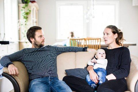 – MAN BLIR BITTER: Stine og Eirik Sandven-Thrane forklarer at det har vært en tøff tid for familien etter at den ene av deres fem sønner fikk påvist leukemi. – Man blir så bitter når det skjer igjen, sier mamma Stine.