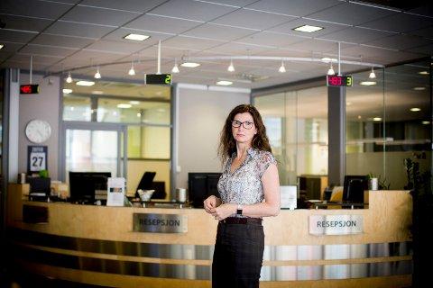 TREND: Banksjef Siri Berggreen i Lillestrømbanken mener utviklingen i at stadig flere får betalingsanmerkninger har med holdninger å gjøre.