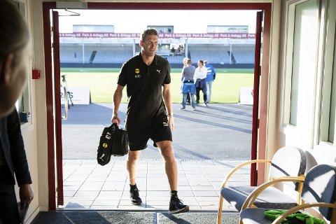 TO GULE: Frode Kippe måtte gå i dusjen etter en drøyt halvtime spilt på Sarpsborg stadion. På under to minutter pådro han seg to gule kort. Foto: scanpix