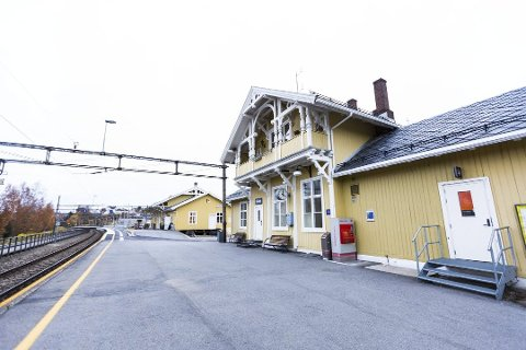 FULL STANS: Mellom Lillestrøm og Fetsund stasjon skal det helga 8.-10. september utføres arbeider på Kongsvingerbanen. Det betyr full stans i trafikken – og alternativ overnatting for berørte naboer.