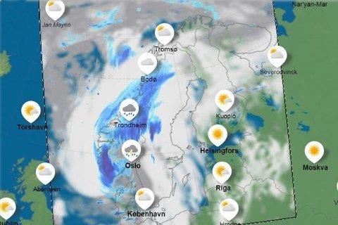 LAVTRYKK: Fredag ventes det nedbør og skyer inn over store deler av landet. Kartet viser prognosene for fredag ettermiddag.