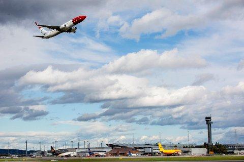 TAR AV: Det går oppover på og rundt Oslo Lufthavn. (Foto: Tom Gustavsen)