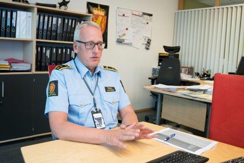 20 ÅR PÅ VAKT: Seksjonssjef Tor Fredriksen kan blant annet se tilbake på 14.500 narkotikabeslag og 36.000 forenklede forelegg fra tollvesenets 20 år på Oslo Lufthavn.