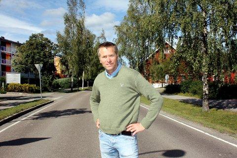 KLAGER IKKE: – Jeg synes jeg tjener bra, og det er greit å vise måtehold, sier Gjerdrum-ordfører Anders Østensen.
