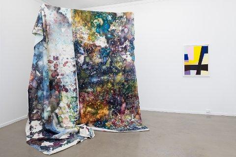 Kiyoshi Yamamoto og Esther Maria Bjørneboe, i utstillingen Et maleri er et dikt uten ord.
