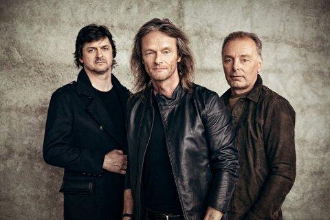 KOMMER: Stage Dolls, med Morten Skogstad (f.v.), Torstein Flakne og Terje Storli, er klare for Nebbenfestivalen.