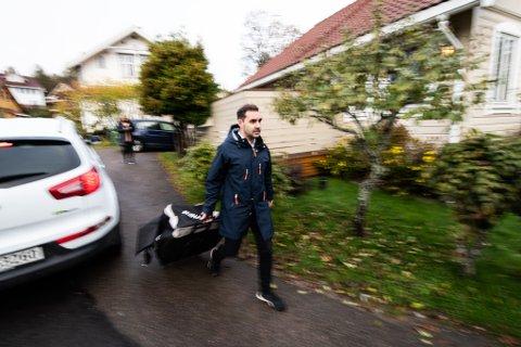 HASTVERK: Daniel Berg Johansen måtte hive seg rundt da han fredag fikk 45 minutter til å evakuere hjemmet sitt.