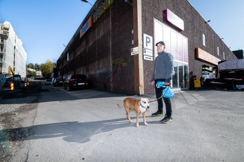 FRASTJÅLET SYKKEL: For snart to uker siden ble Ronny Thorbjørnsen frastjålet en verdifull sykkel utenfor Bunnpris i Skårersletta.